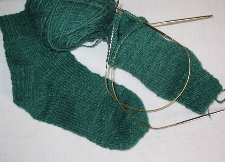 Knitting Socks On Circular Needles Pattern : pollyspincraft